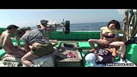魚船出海青姦亂交(無碼)