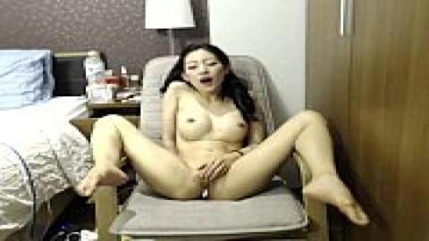 長腿美乳自慰高潮(無碼)