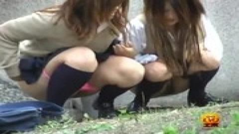 女學生戶外尿尿特輯 1