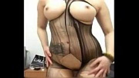 巨乳旗袍妹開腿秀屄(無碼)