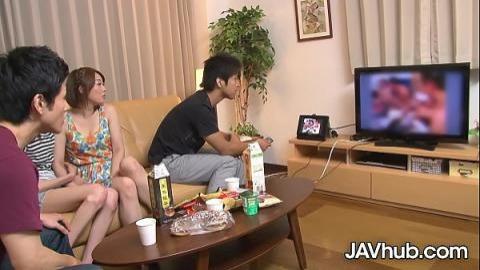 兩男兩女一起看A片跟著做(無碼)