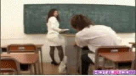 老師的黑絲真讓人受不了(無碼)